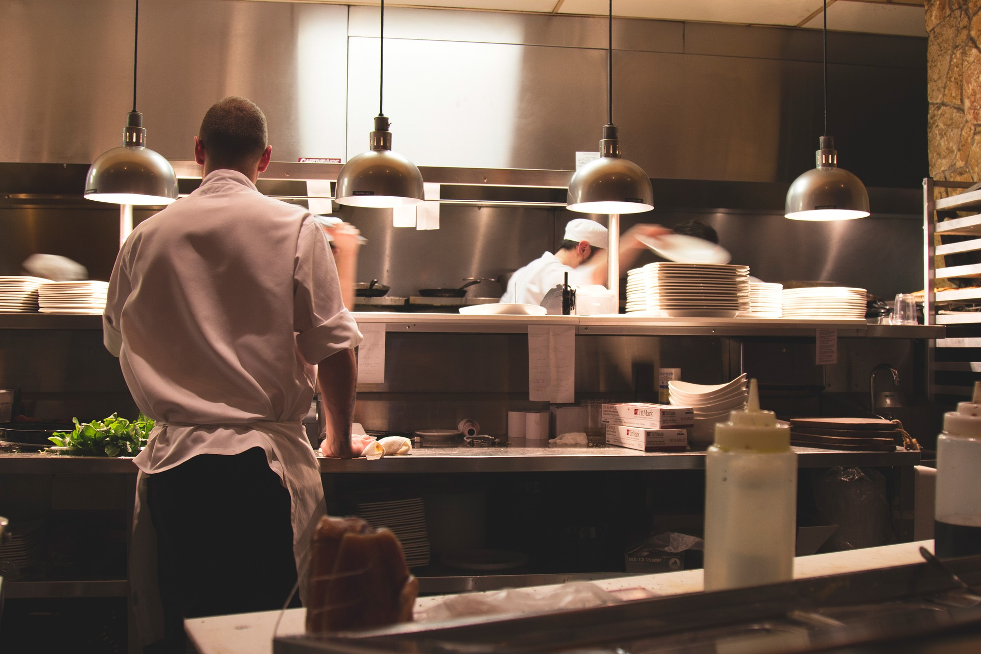 Mivel készülnek az ételek a nagykonyhákban?